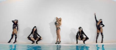 Britney Work Bitch 01